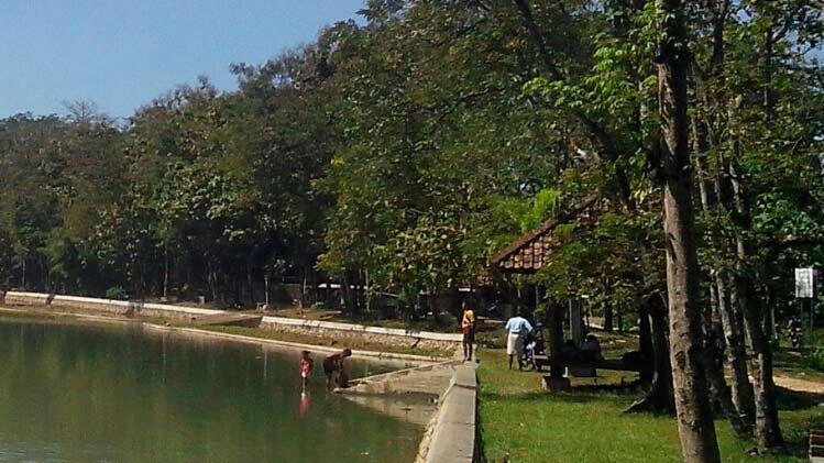 Telaga Jonge di Pacarejo Semanu sangat membantu pemenuhan kebutuhan air baku bagi warga sekitarnya. KH/Juju.