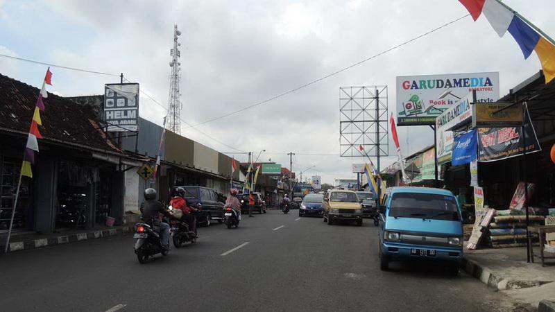 Perkembangan pertokoan di Jl Sumarwi Wonosari. KH/Kandar