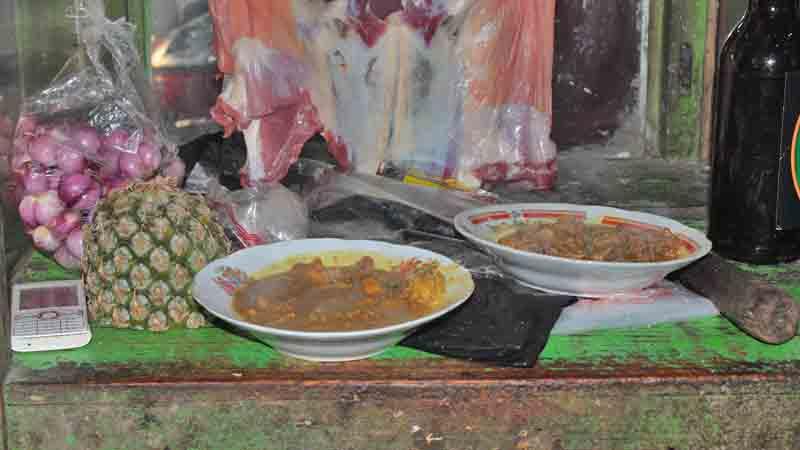 Nanas turut dipergunakan dalam masakan daging kambing. Foto : Kabar Handayani
