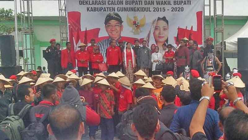 Deklarasi Djangkung - Endah sebagai calon Bupati. Foto : Atmaja