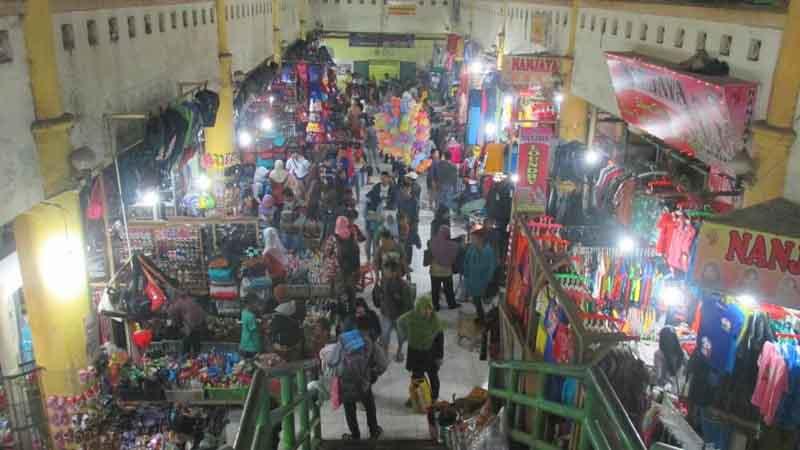 Suasana pasar Argosari. Foto : Surya