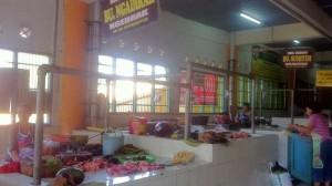 Penjual Daging di Pasar Argosari. KH/Dwianjani