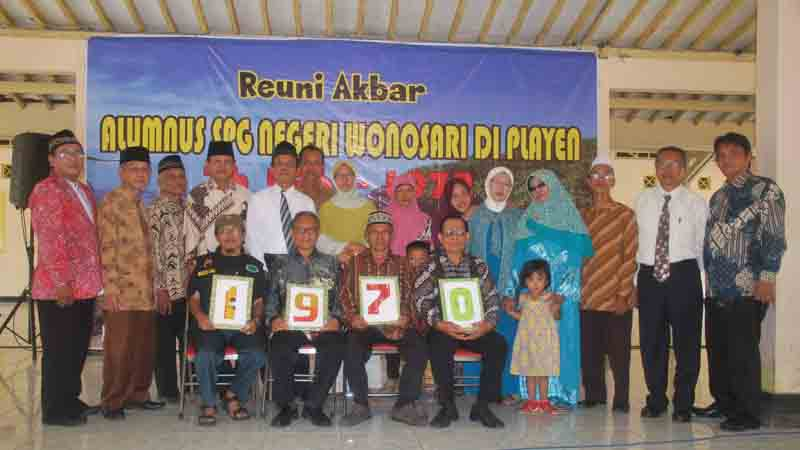 Sebagian peserta reuni berfoto bersama. Foto : KH/Sarwo