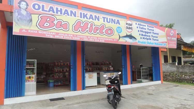 Kios produk Tuna Bu Hirto, Foto;  KH/ Kandar
