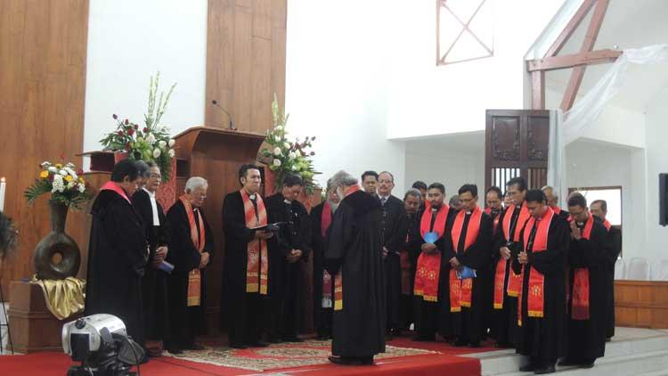 Prosesi Ibadah Emiritasi dan Resepsi syukur Pdt. Drs. Supiarso, Foto: KH/ Kandar
