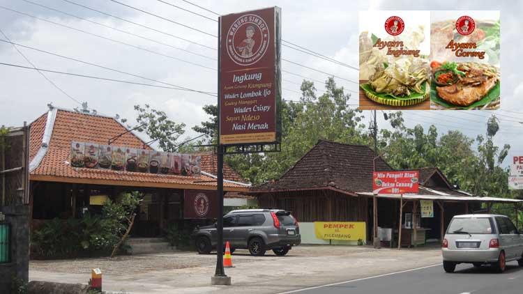 Warung Simbok, Jl. Yogya-Wonosari, Bandung, Playen. (Insert: menu khas ingkung). KH/ Kandar
