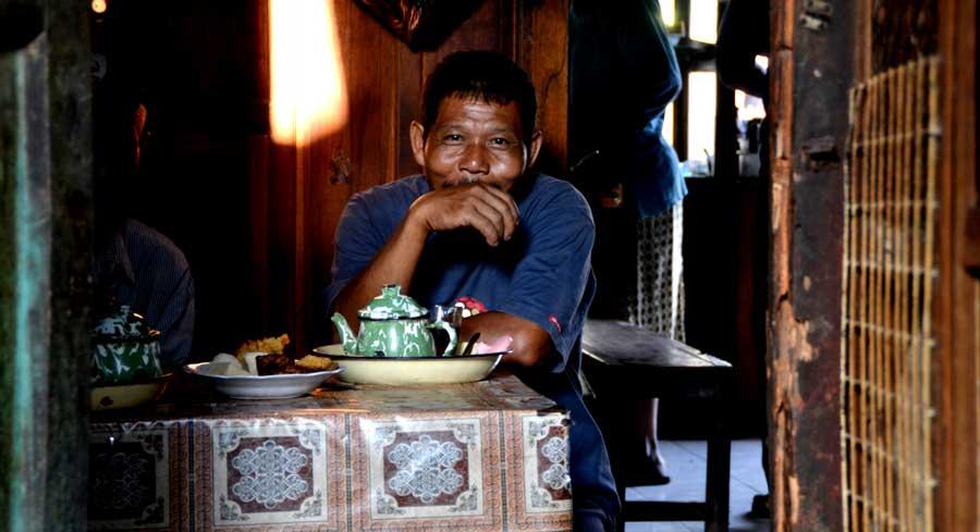Seorang Bapak Wedangan, Pasar Semanu