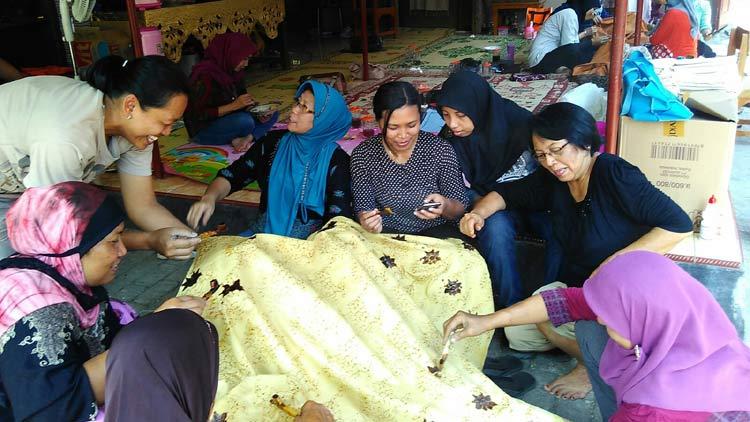 Kegiatan membatik di Rumah Belajar Batik Gendhis. KH/ Edo.
