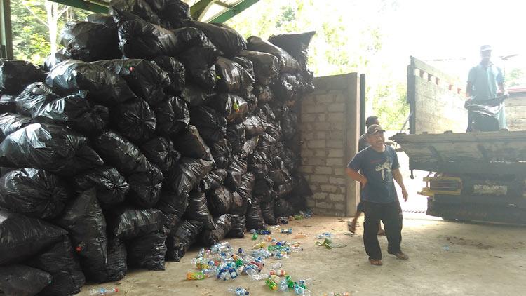 Hasil pungut sampah di Nglanggeran, Patuk. KH/ Edo