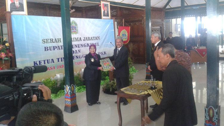 Pelaksanaan Sertijab Bupati Gunungkidul di Bangsal Sewoko Projo. KH/ Kandar