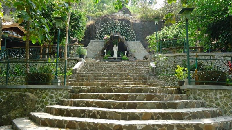 Goa Maria Giriwening, Sengonkerep, Sampang, Gedangsari. KH/Sesawi.