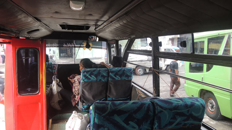 Kondisi minimnya penumpang pada angkutan perdesaan, sehingga disebut kopals. KH/ Kandar