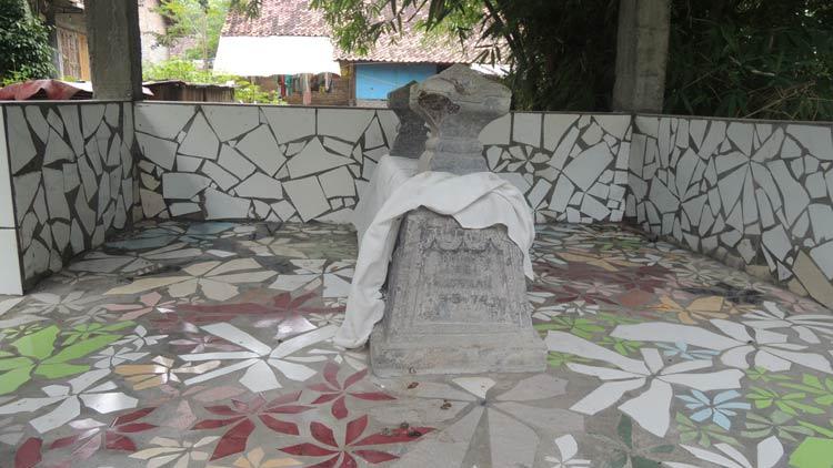 Makam Kyai Legi di Siyono, Playen. KH/ Kandar