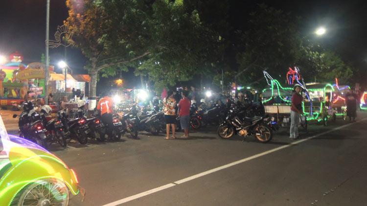 Suasana malam di Alun-alun Wonosari. KH/ Kandar.