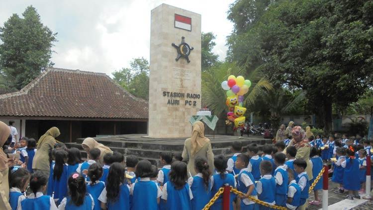 Peringatan serangan Umum 1 Maret 1949, oleh siswa TK 1 Maret. KH/ Edo