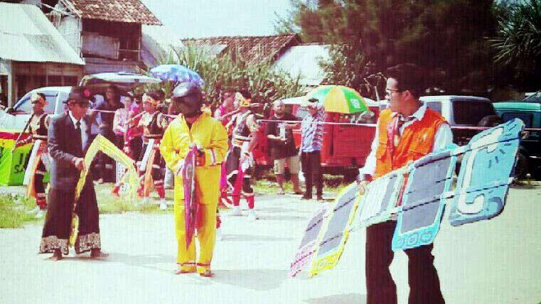 Kolaborasi pertunjukan seni di Pantai Sarangan. KH/ Edo