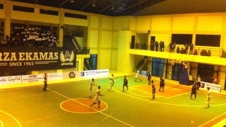 Kejuaraan Basket tingkat SMA/ SMK dan MA se Gunungkidul yang digelar FPOG. KH/ Edo