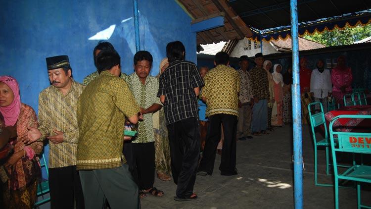 Penerimaan tamu yang hadir dalam sebuah hajatan Pernikahan. KH/ Kandar