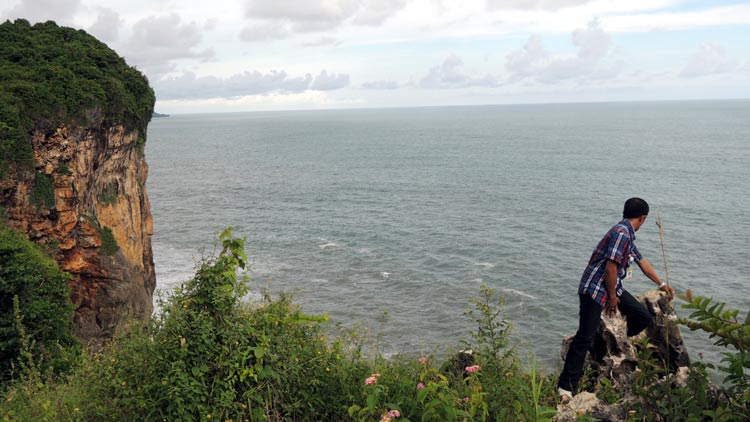 Salahsatu sudut tebing di kawasan Pantai Bekah. KH/ Kandar