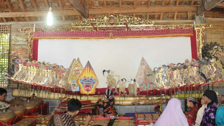 Pementasan Dalang cilik di Sanggar Pengalasan. KH/ Edo