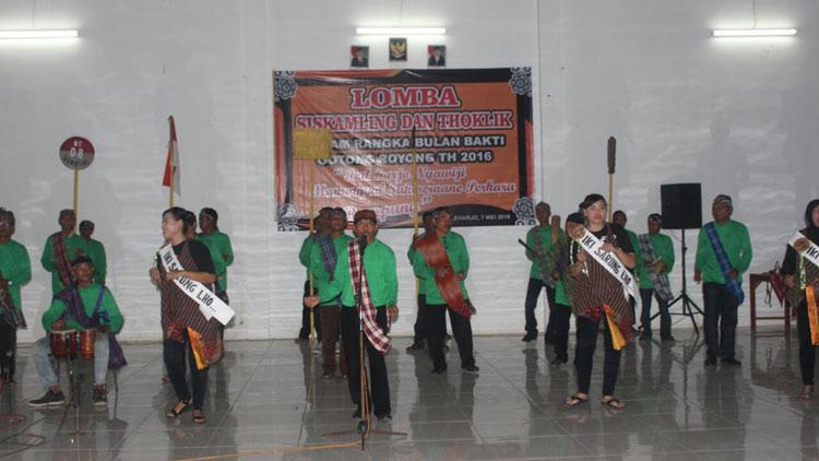 Salah satu penampilan peserta lomba Thoklik Desa Baleharjo. KH/ Edo