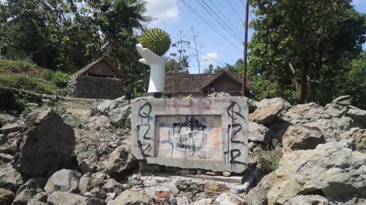 Tugu Monumen Asri, sebagai tetenger adanya musibah dahsyat telah berubah. KH/ Kandar