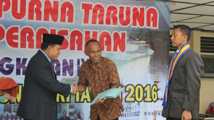 Wisuda Taruna dan Taruni Tahun Pelajaran 2015/2016 SMK N 1 Tanjungsari. KH/ Kandar
