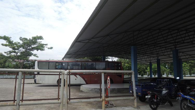 Salah satu bus AKAP memasuki terminal Wonosari. KH/ Kandar.