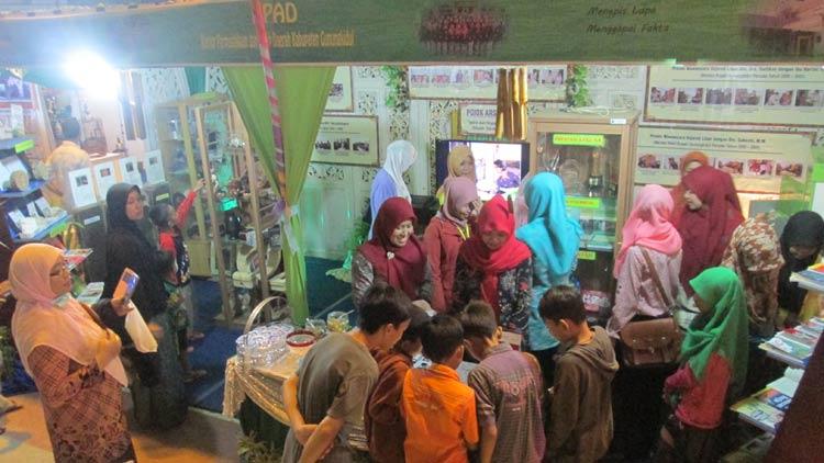 Stand KPAD ramai pengunjung. menjadi stand terbaik saat Pameran potensi daerah peringatan Hari Jadi Gunungkidul beberapa waktu lalu. KH