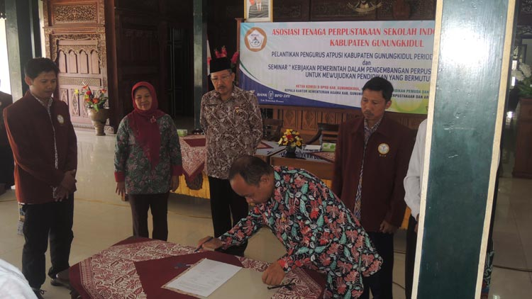 Rangkaian kegiatan pelantikan pengurus ATPUSI Gunungkidul 2015-2019. KH/ Kandar