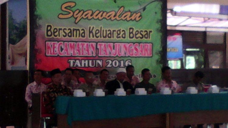 Pada pelaksanaan Syawalan Kecamatan Tanjungsari, pelayanan tetap berjalan. KH/ S. Yanto