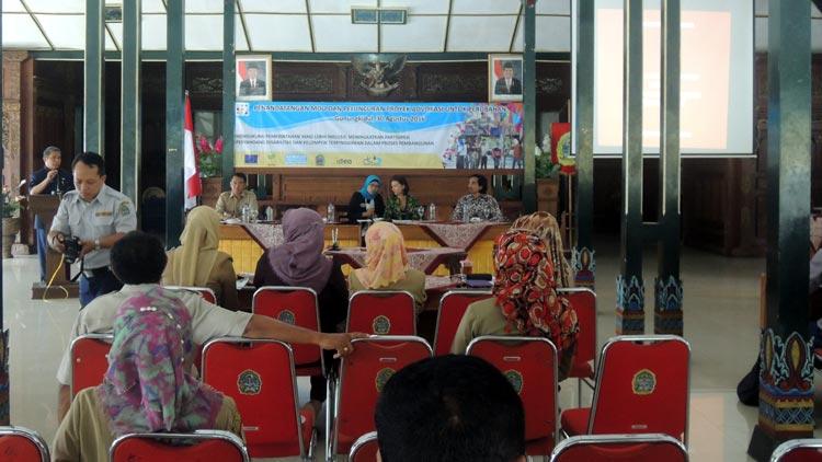Wakil Bupati Gunungkidul, Immawan Wahyudi memberikan sambutan pada acaraPenandatanganan MOU dan peluncuran Proyek Advokasi untuk perubahan. KH/ Kandar
