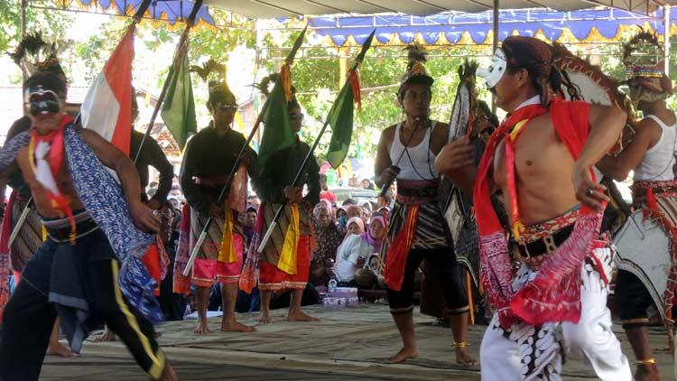 Penampilan reog dari salah satu kelompok seni asal Bejiharjo dalam rangka Gelar Potensi Budaya. KH/ Kandar