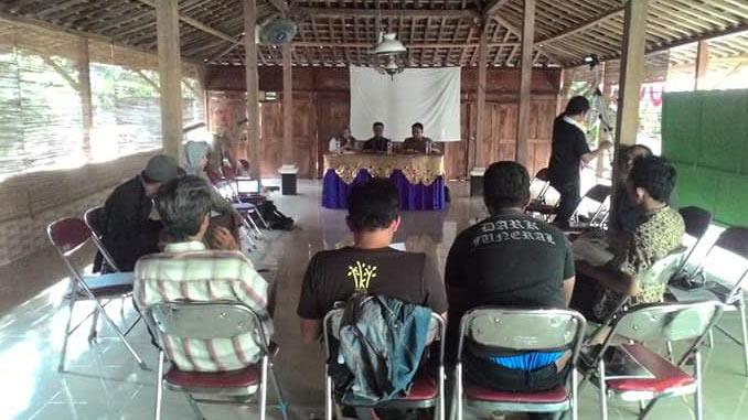 "Diskusi ""Nasib Pendidikan Gunungkidul Tanpa Perda"" yang diselenggarakan Komunitas Rumah Belajar Rakyat dan YSKK. foto: Retnoningsih"