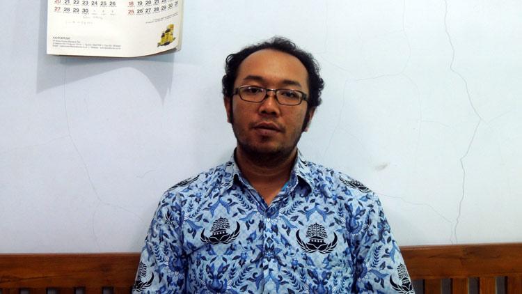 Seksi Farmasi Dinas Kesehatan Gunungkidul, Dono Anggarjito S. Fam. Apoteker. KH/ Kandar