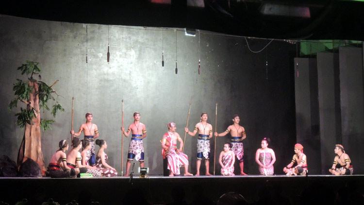 Salah satu penampilan kontingen pada Festival Kethoprak 2016 di Gedung Kesenian Wonosari. KH/ Kandar