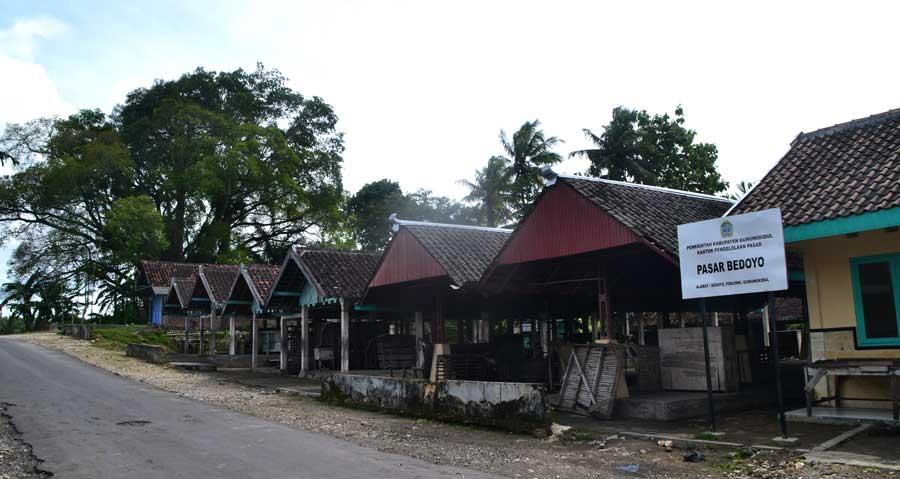 Pasar Bedhoyo. KH/ WG
