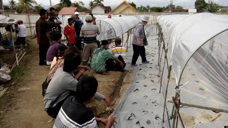 Salah satu kegiatan kunjungan studi banding warga Desa Kampung Ngawen. KH/ Kandar.