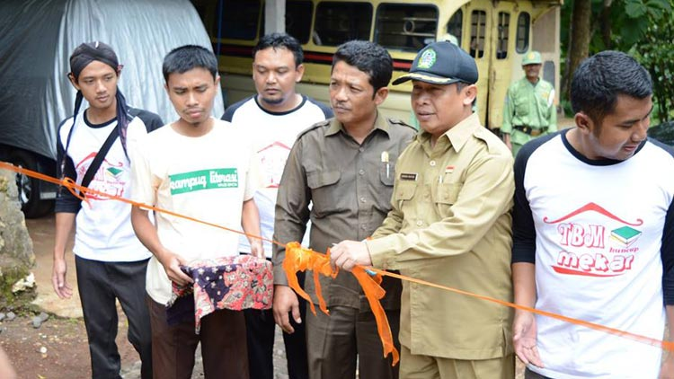 Launching kampung literasi Desa Kepek, Kecamatan Saptosari, Oleh Wabup, Immawan Wahyudi. dok: TBM Kuncup Mekar