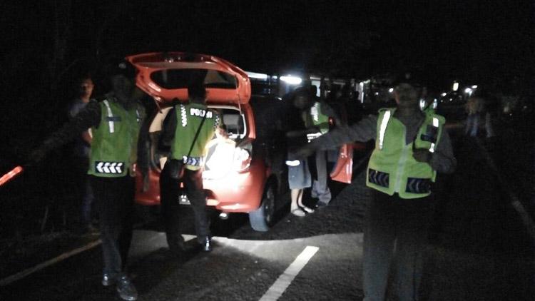 Polisi melakukan razia pengendara, tindak lanjut maraknya gangguan keamanan. Foto: Humas Polsek Panggang.