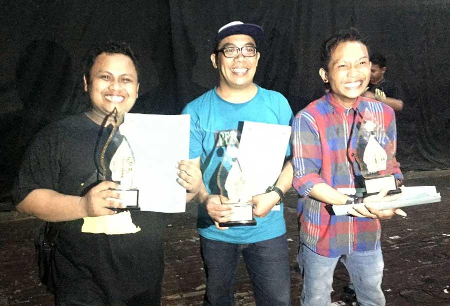 Dari kanan: Widi Pramono (Penata Tari, Semanu), Yestri Piliyanto (Sutradara, Panggang), Muchlas Tubiest Hidayat (Penata Iringan, Karangmojo). Foto: Muchlas.