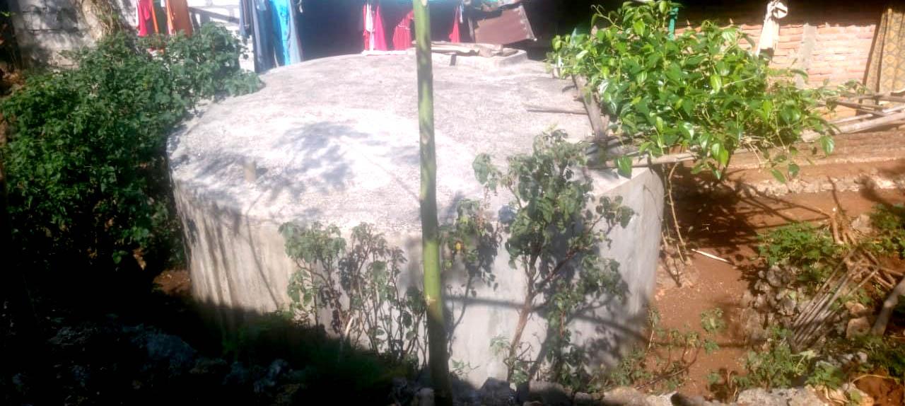Penampung Air Hujan (PAH) milik warga Bacak