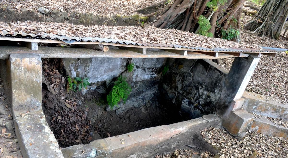 "Sumber Air ""Natah"" di Dusun Natah Wetan Kalurahan Natah Kapanewon Nglipar yang mengering."