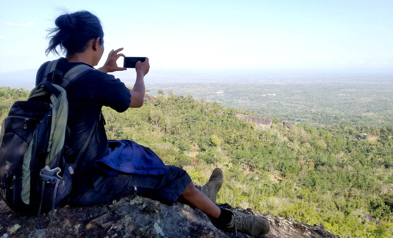 Sudut memandang dari Puncak Gunung Keruk sisi timur.[Foto:NR]