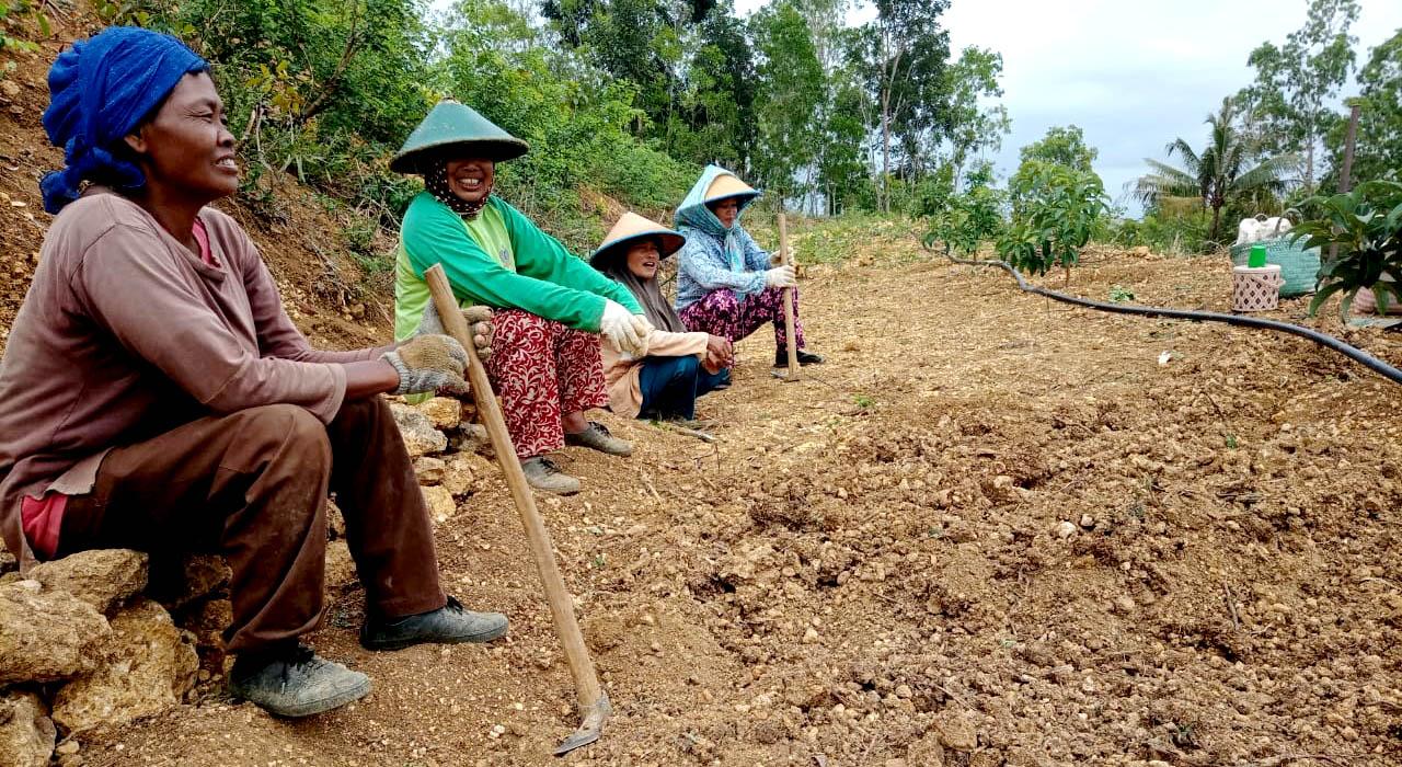 Para petani di Dusun Sumber.[Foto:Padmo]
