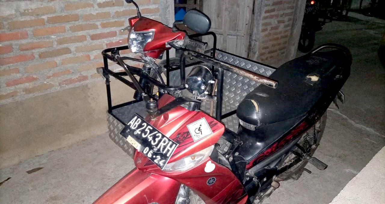 Motor modifikasi milik Maridi.[Foto:Padmo]