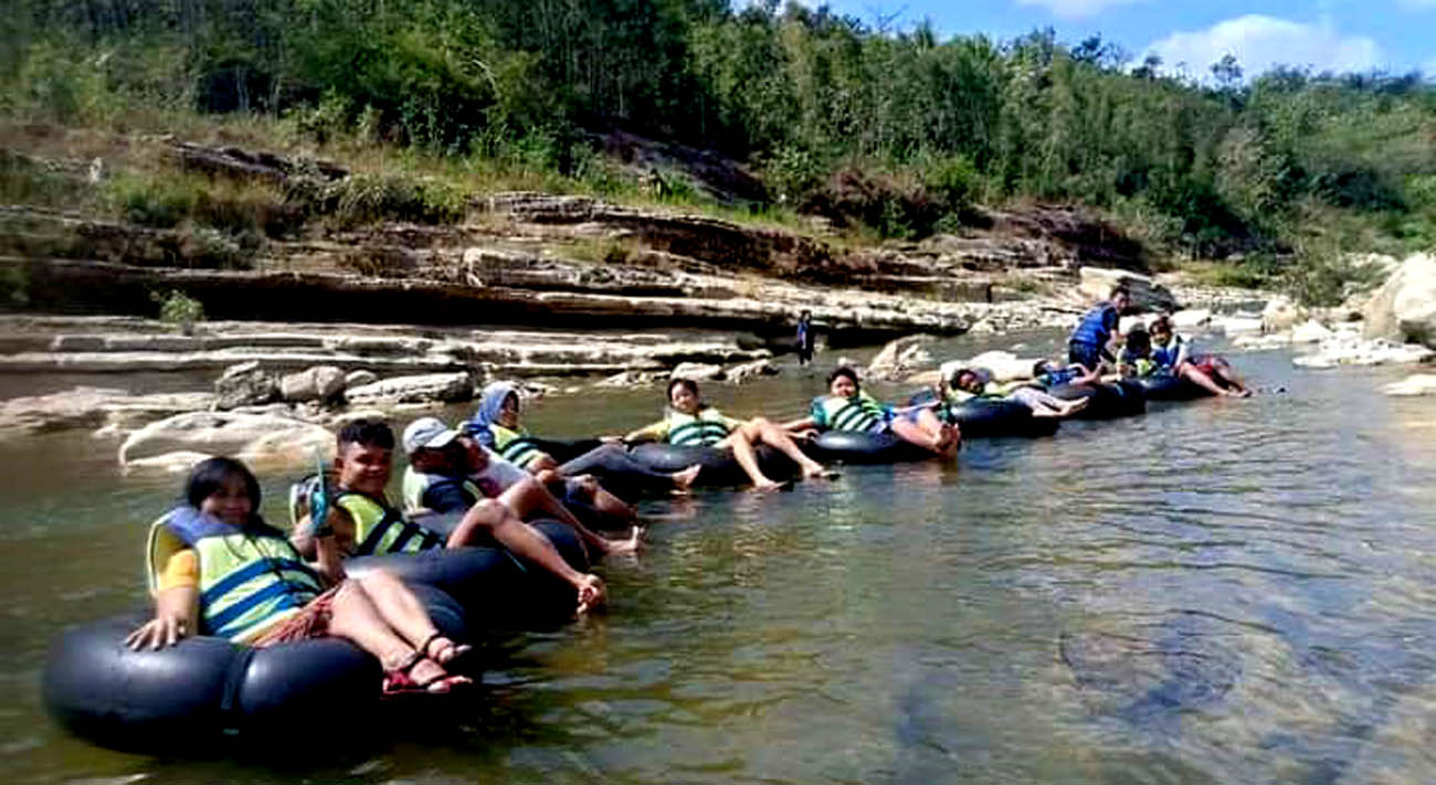 Ramainya Pengunjung di Wisata River Tubing Watu Tumpeng dan Watu Layah sebelum Banjir Besar.[Foto:Padmo]