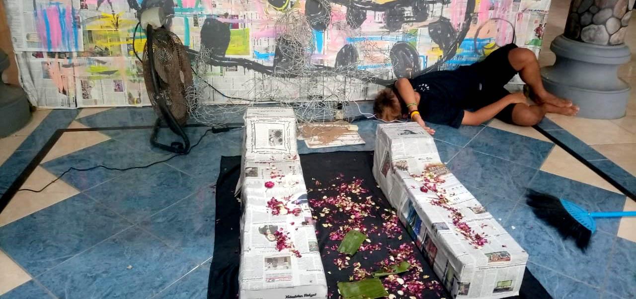 Pameran Seni Rupa NGOLET di Balai Desa Kedungpoh.[Foto:Padmo]