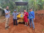 Pembangunan jalan secara swadaya di Dusun Ngembes, Kalurahan Pengkok, Kapanewon Patuk. Gunungkidul. (KH)