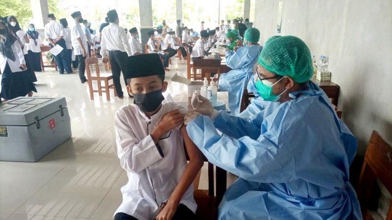 Vaksinasi